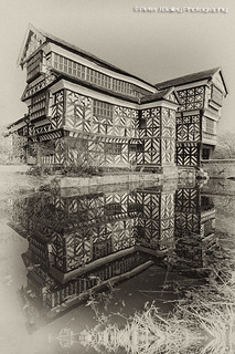 Little Moreton Hall in Cheshire | by Peter J Bailey - Saxon Studio