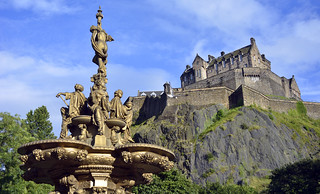 Ross Fountain and Edinburgh Castle | by FOlmeda