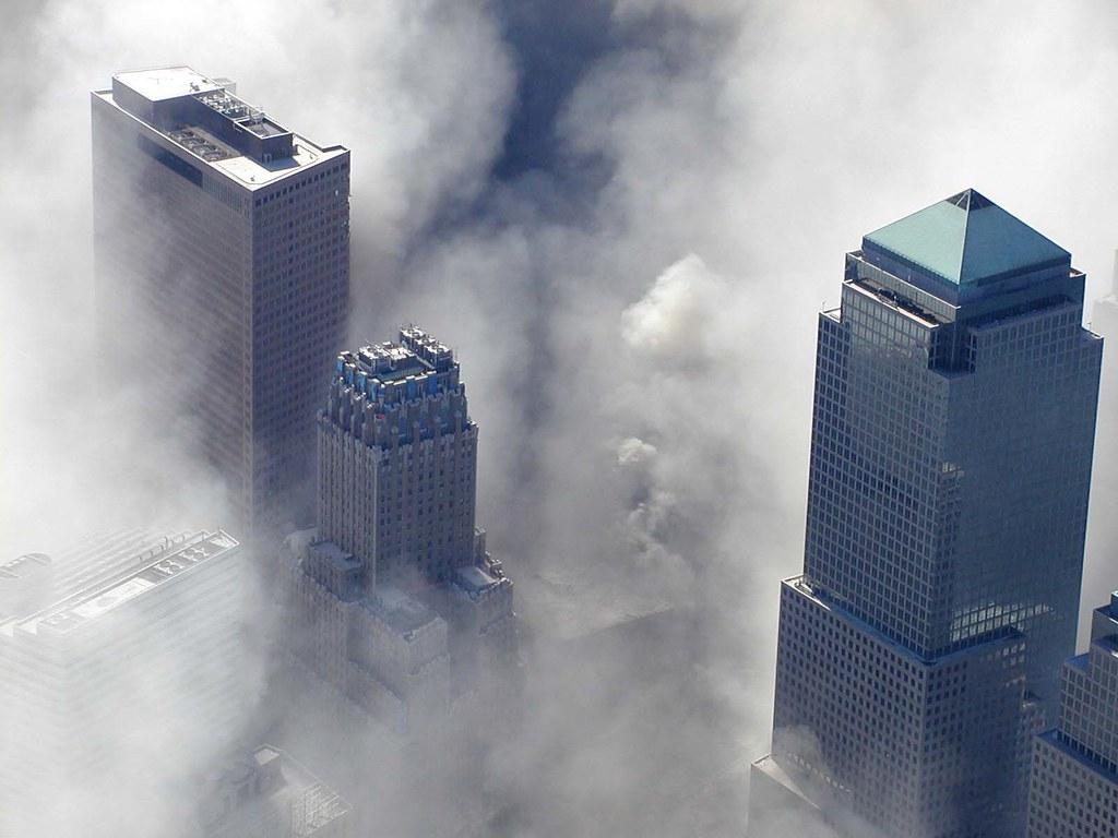 9/11 WTC Photo   9/11 World Trade Center Attack Photos ... 9 Photos