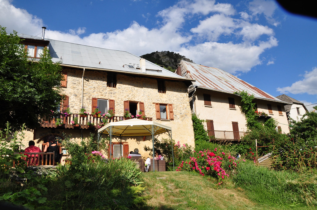 Maison d 39 h tes les m ans dans la vall e de l 39 ubaye flickr for Odeurs d egouts dans la maison