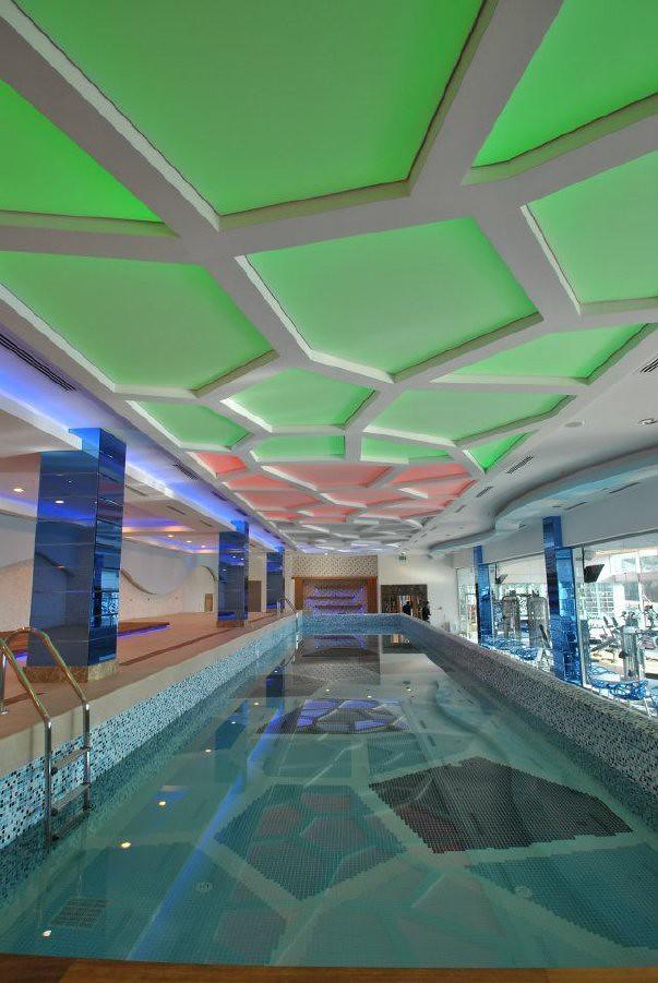 Dise o de piscinas modernas ra l fortes flickr - Diseno piscinas modernas ...
