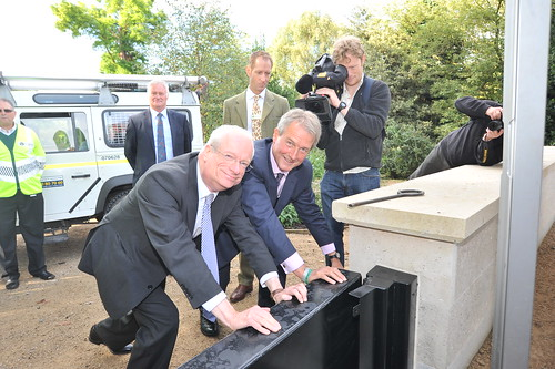Secretary of State Owen Paterson and Environment Agency Chair Lord Smith test floodgates | by Environment Agency