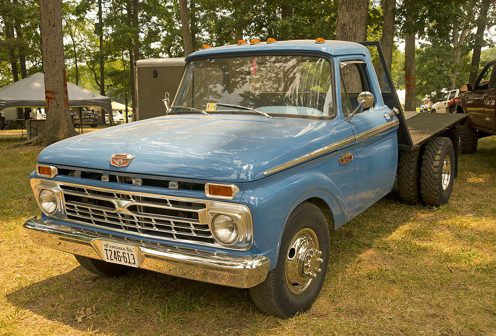 1965 Ford F350 Dually Flatbed At The Southeast Old