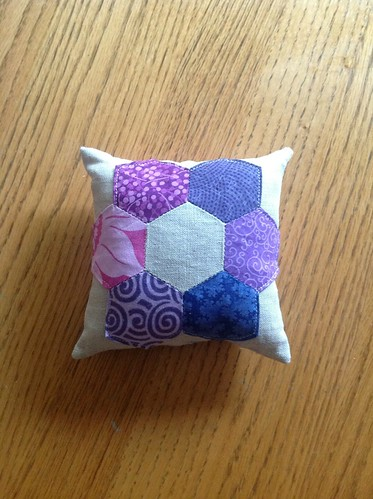 Perfectly purple paper pieced pin pillow! (say that fast five times!) | by vardewoman