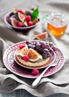 Tart with fresh fruit and berries | by The Little Squirrel