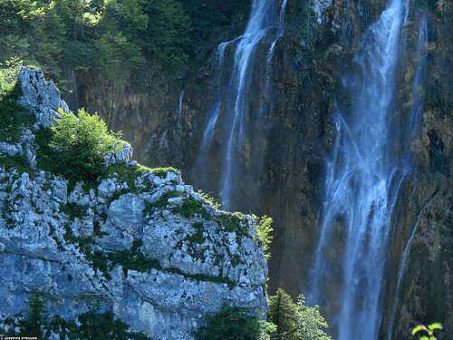 20120605_37 The big waterfall, looking like gossamer | Plitvice Lakes National Park, Croatia | by ratexla