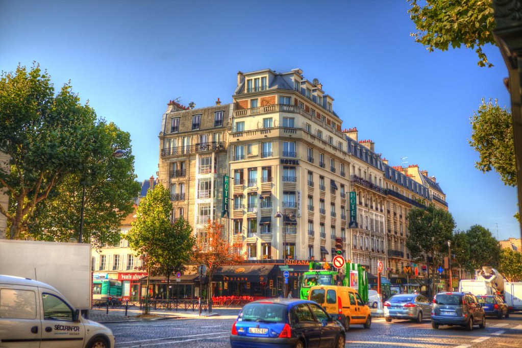 Hotel Du Lion  Place Denfert-rochereau  Paris