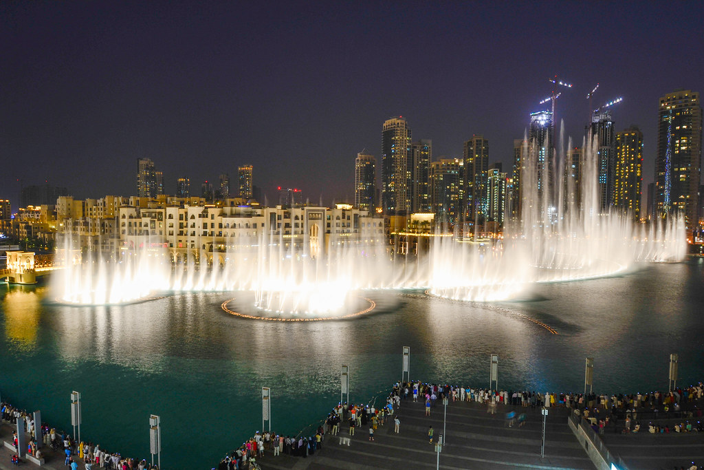 Dubai Water Fountains The Dubai Water Fountains Are The