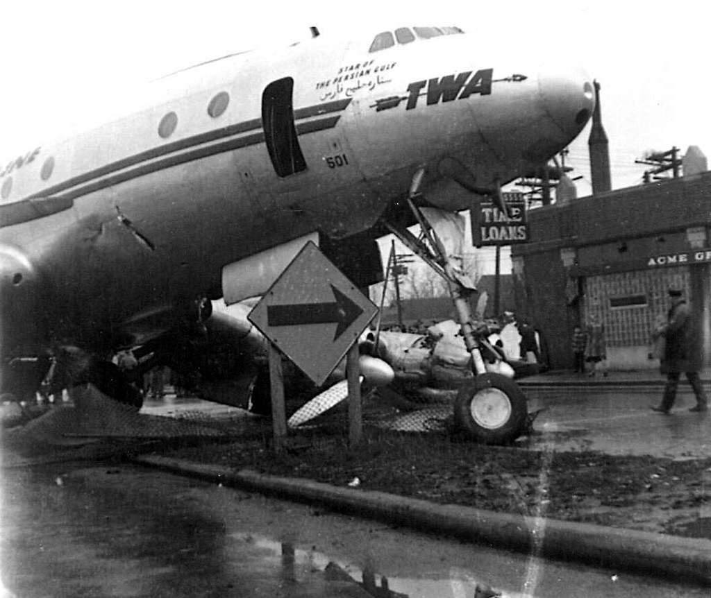 Chicago Midway Airport - 12/18/1949 - TWA N86501