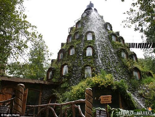 Montaña Magica Lodge - Reserva Biologica Huilo Huilo - Chile