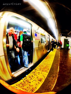 #DailyPhoto : #Get In- Get Out.   #nysubway #photography #iphoneography #365 #subway #commute | by ab_ankurbhatia