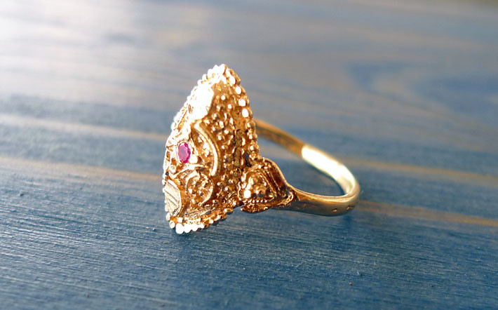 14K Gold India Ring with Red Ruby Noa Sharon