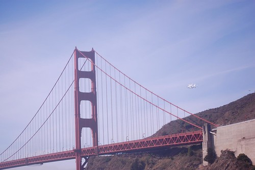 Space Shuttle Endeavour flyover | by cardinal91