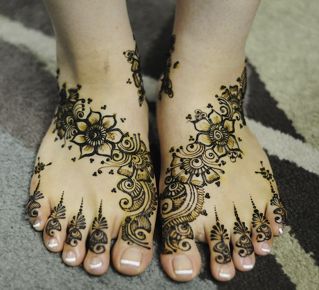 Bridal Henna Feet Sweet And Simple Henna Craze By Sumeyya Flickr