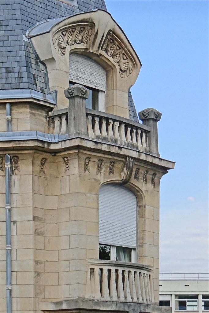 Maison les pins de style art nouveau nancy balcons d for Achat maison sausset les pins