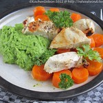 Koriander-Erbsenpüree mit Butter-Möhrchen und Hähnchen