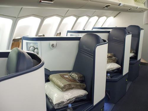 Delta 747 Business Elite Upper Deck New Seats Delta S