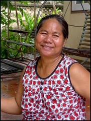'Mun..'  our silk spinning neighbor...   Kalasin,  Thailand