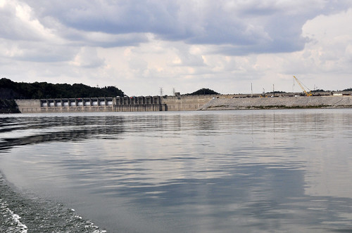 View of Wolf Creek Dam from Lake Cumberland | by NashvilleCorps