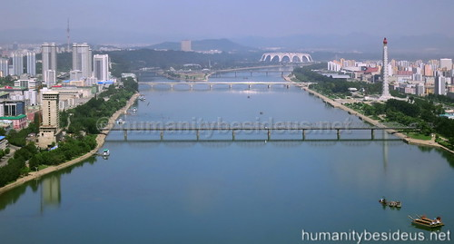 Pyongyang by day | by humanitybesideus.net