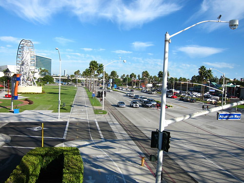 Long Beach's Incredible Bicycle/Pedestrian Infrastructure | by Kevin Turinsky