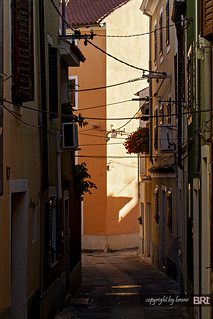 narrow_street_01 | by alamond