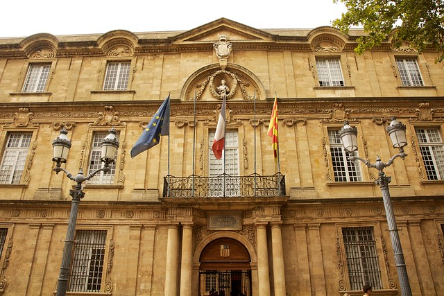H tel de ville aix en provence flickr photo sharing for Hotel de ville salon de provence