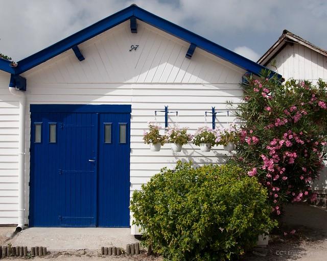 C 39 est une maison bleue flickr photo sharing - Chanson c est une maison bleue ...