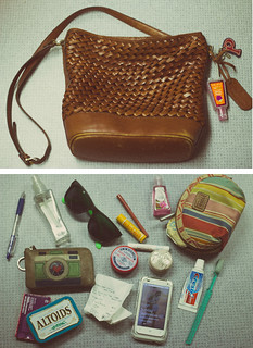 what's in my bag | by priscila♥elise