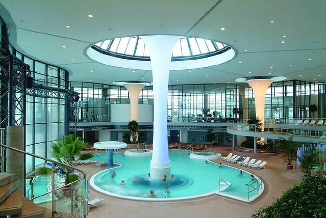 Dise o de spa moderno en hotel explore masquetechos - Spa modernos ...