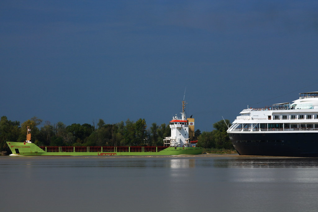 cargo ship karin lehmann on way to bordeaux bassens flickr. Black Bedroom Furniture Sets. Home Design Ideas