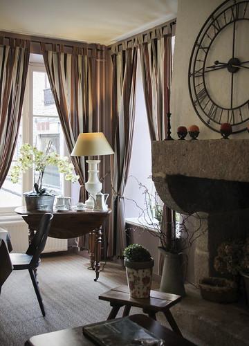 hotel arvor dinan we stayed here a lovely hotel. Black Bedroom Furniture Sets. Home Design Ideas