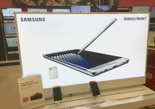 Samsung Galaxy Note 7 Display, Target 9/2016, pics by Mike Mozart of TheToyChannel and JeepersMedia on YouTube #Samsung #Galaxy #Note #7
