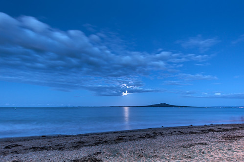Moon rising over Rangitoto (EXPLORED) | by Mikey Mack