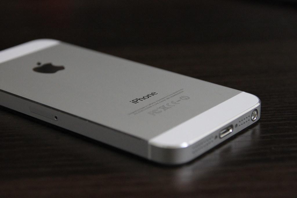 apple iphone 5 64gb white model apple iphone 5 64gb white flickr. Black Bedroom Furniture Sets. Home Design Ideas