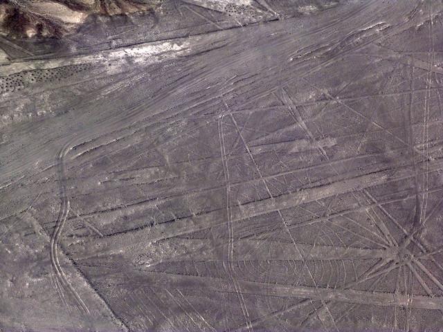 Imagen aérea de las Líneas de Nazca (Perú)