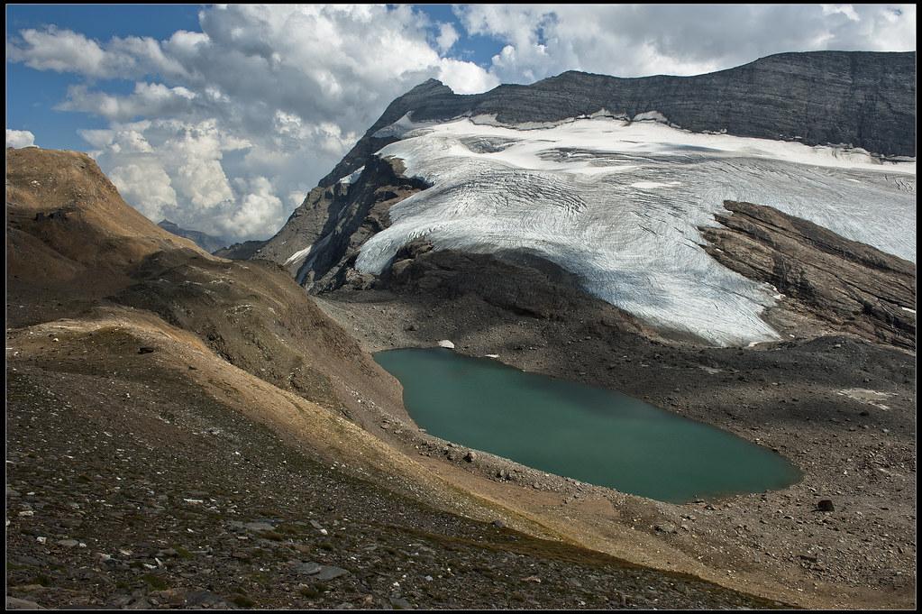 The Chaltwassersee (2756 m) And Monte Leone (3557m ) Switzerland / Italy . No, 6985.