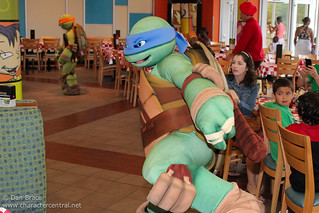 Antonio's Pizza-Rama Dinner with the Teenage Mutant Ninja Turtles! | by Disney Dan