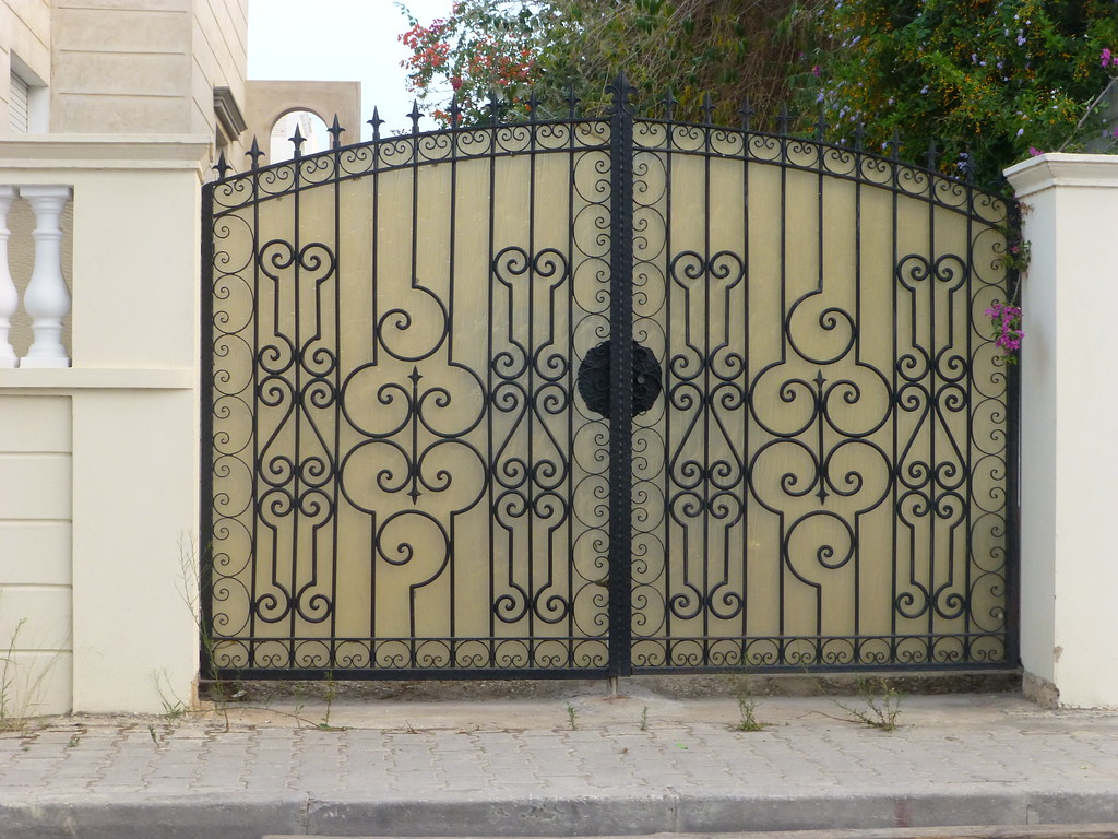 Porte ext rieure fer forg tunis citizen59 flickr for La maison du fer forge