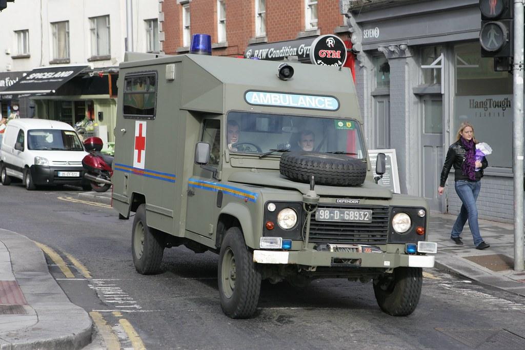 Land Rover Defender 110 >> Irish Army Land Rover Defender Ambulance 98D68932   D464-Darren Hall   Flickr
