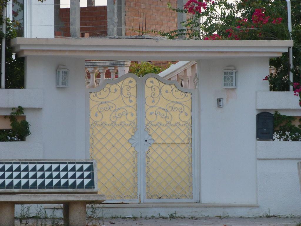 Porte ext rieure fer forg tunis citizen59 flickr for Porte exterieur bois tunisie