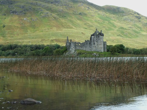 kilchurn castle | by werewegian