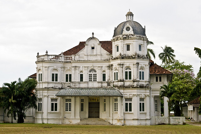 Old Run Down Mansion Red Snapper Flickr