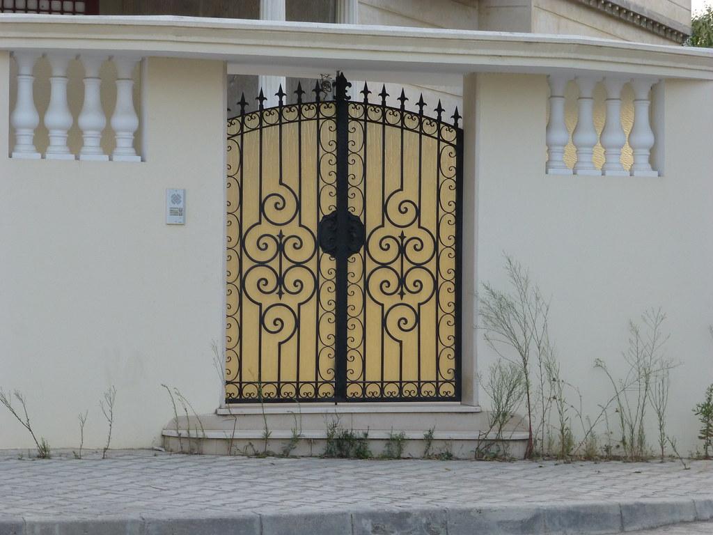 Porte ext rieure fer forg tunis citizen59 flickr for Porte coulissante en fer forge tunisie