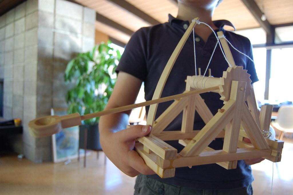 Как сделать большую катапульту из дерева