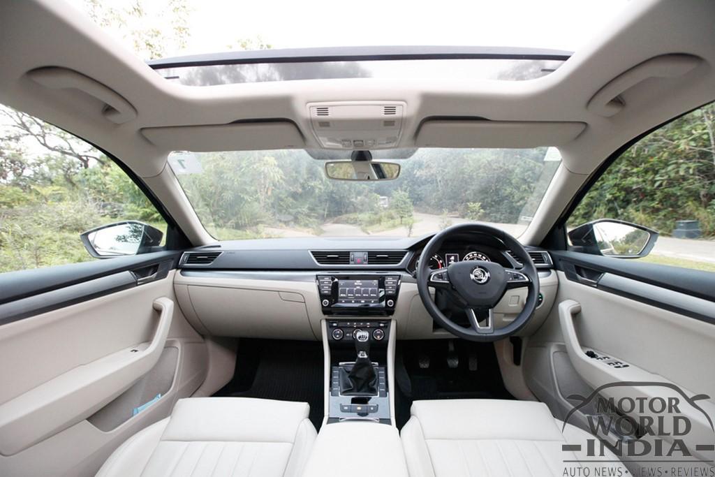2016-Skoda-Superb-Interior-Dashboard
