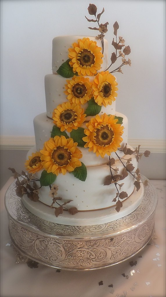 little cakes sunflower wedding cake a four tier wedding ca flickr. Black Bedroom Furniture Sets. Home Design Ideas