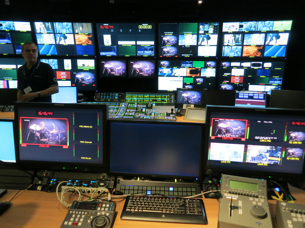 Production Control Room R 233 Gie At France Tv Maxime Flickr
