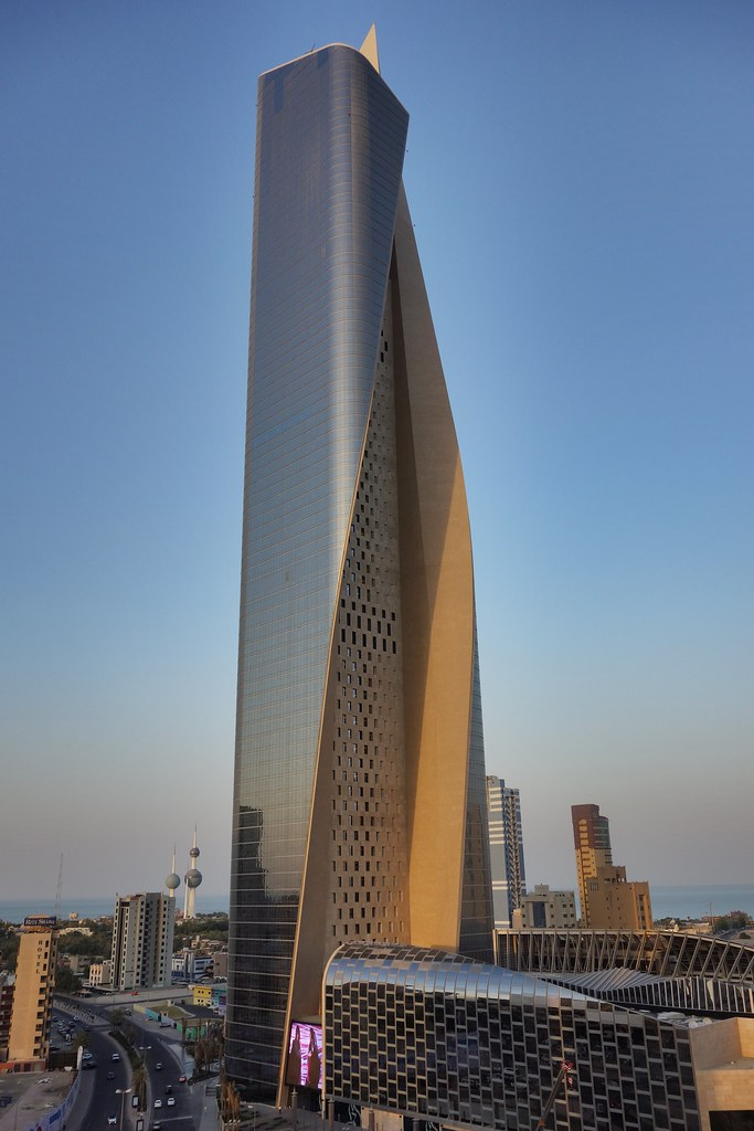 Al Hamra Tower Kuwait S Largest Tower And The World S