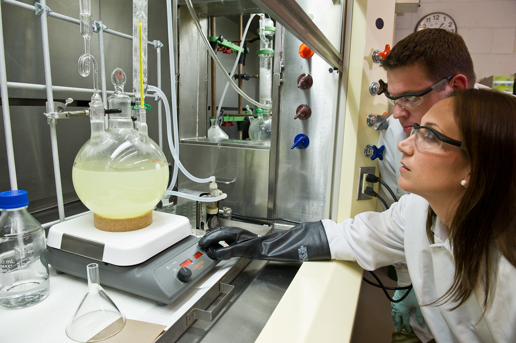 chemistry studies Topics of study could include materials chemistry, kinetics and mechanisms, and bioinorganic chemistry organic chemistry degree programs could focus on any substance that involves carbon molecules and their structure, properties and behaviors.
